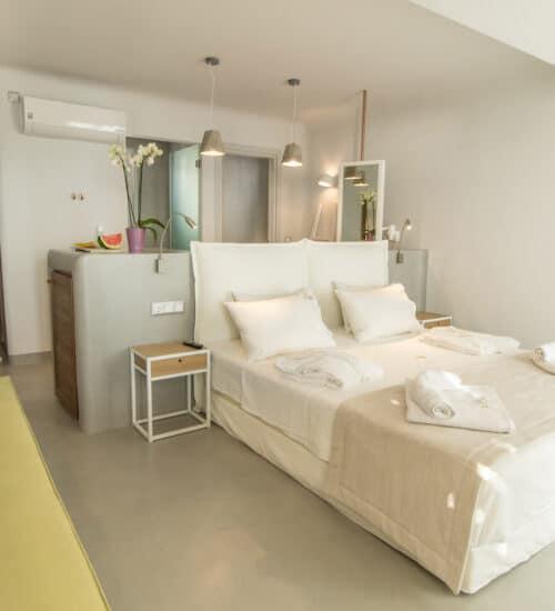 naxos-luxury-sea-suites-deluxe-2