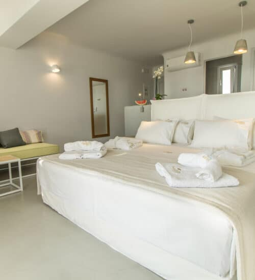 naxos-luxury-sea-suites-deluxe-3