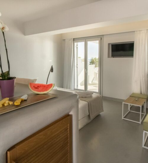 naxos-luxury-sea-suites-deluxe-4