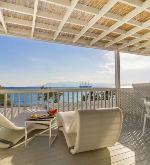 naxos-luxury-sea-suites-deluxe-6